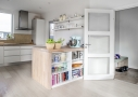 God udnyttelse af m2 til køkken og godt lysindfald.