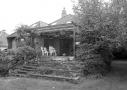 Den mørke villa fra 1935 blev forvandlet til lys og moderne familiebolig.