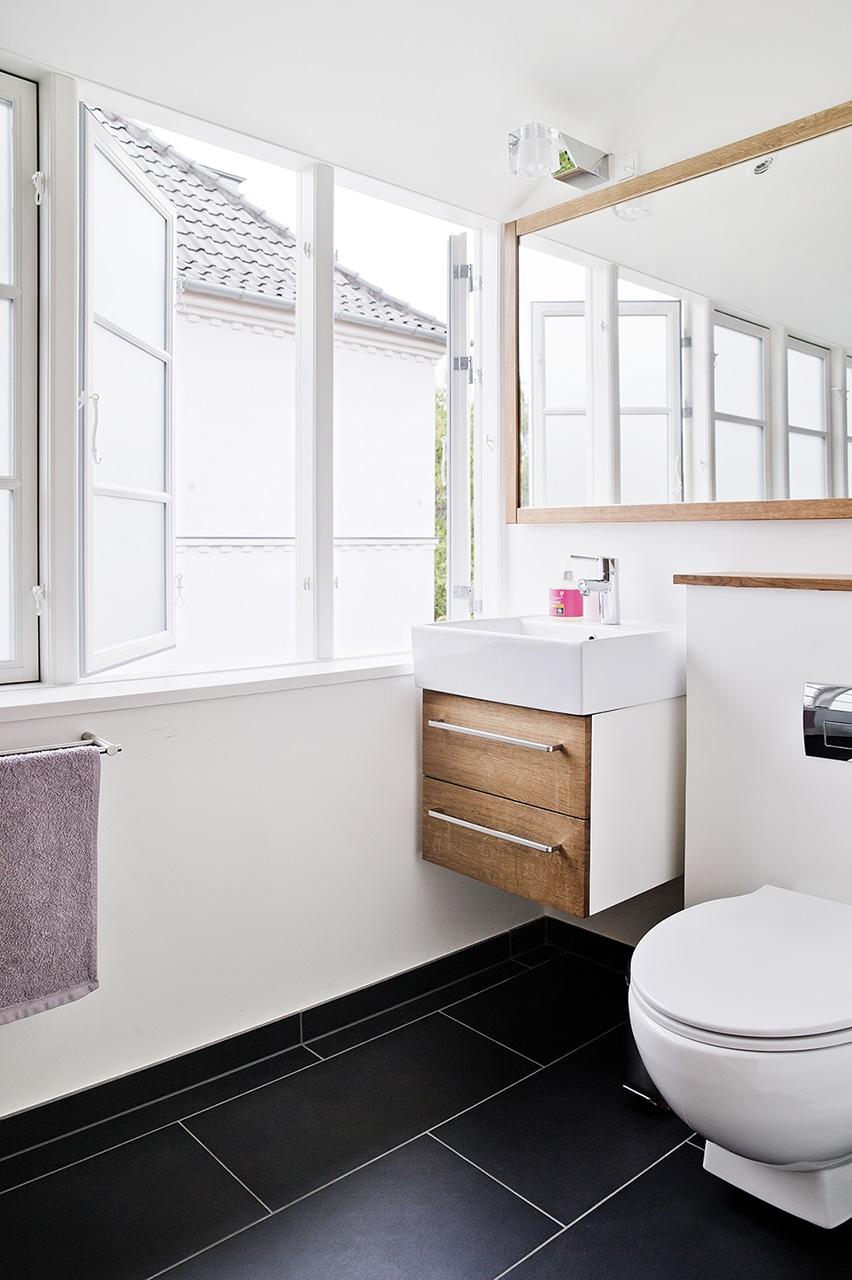 1. salens nye badeværelse.