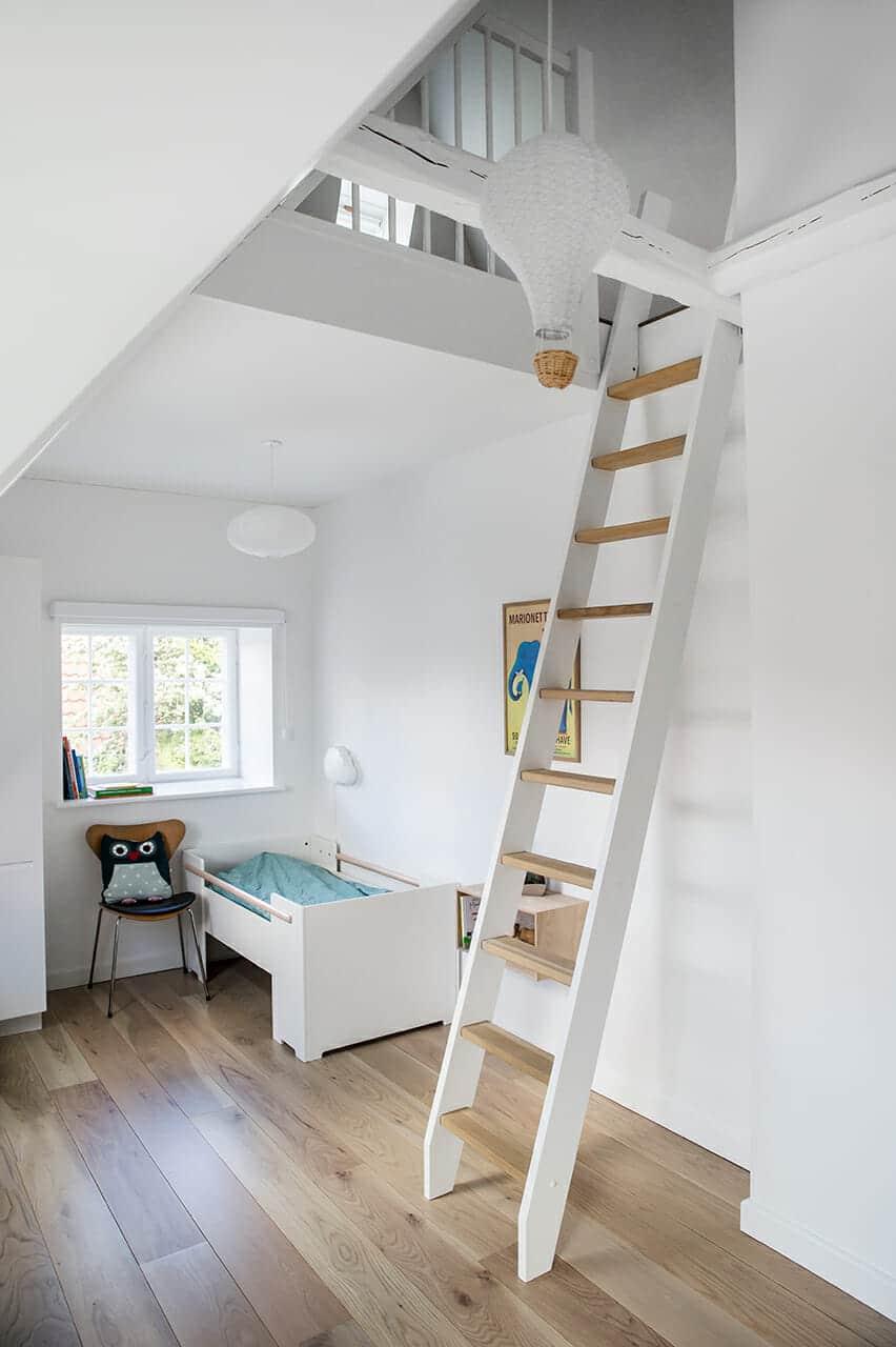 Børneværelse med arkitekttegnet hems