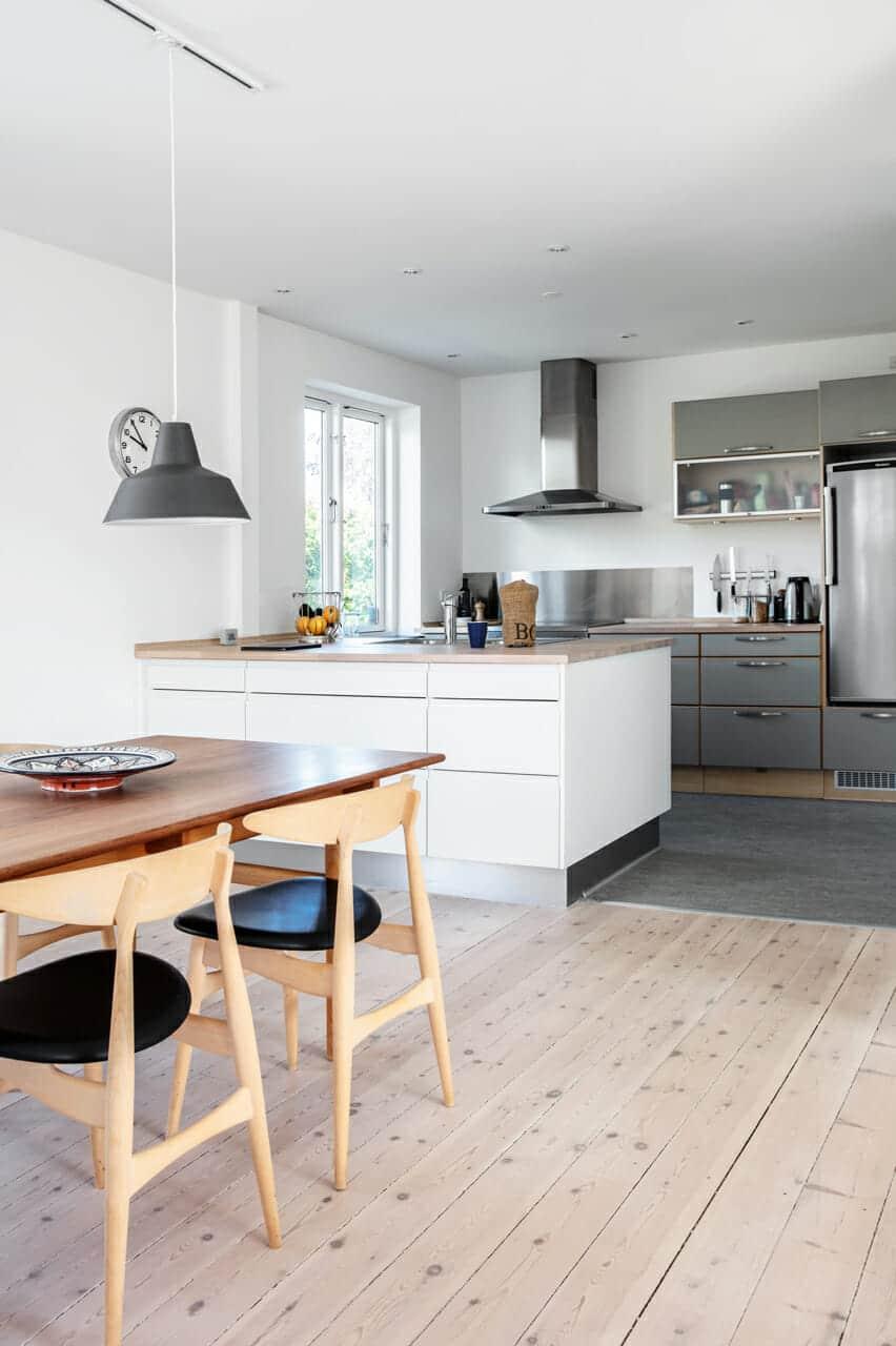 Nyt køkkenalrum i ombygget villa fra 1940'erne