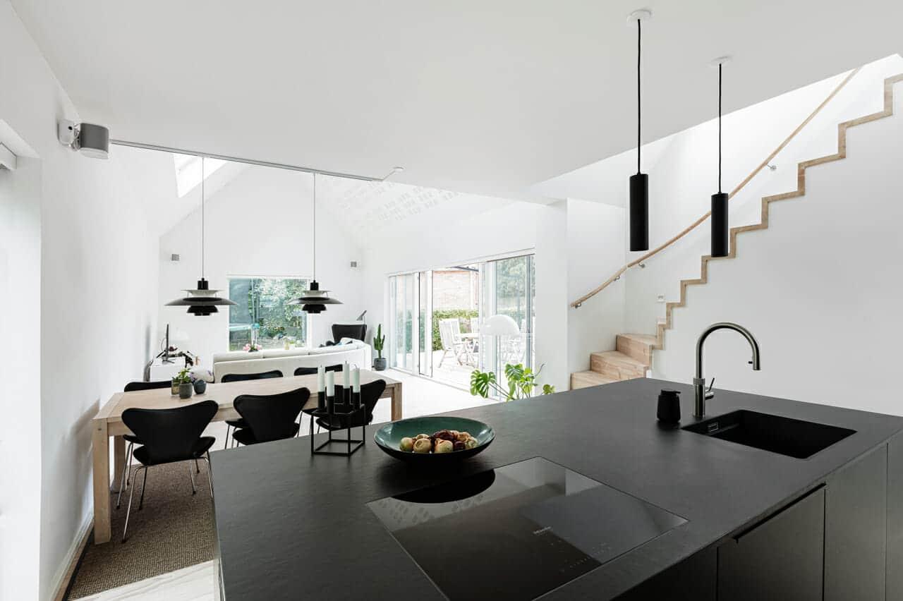 Nyt køkken i gennemrenoveret villa fra 1940'erne