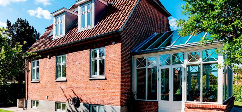 Arkitekttegnet-orangeri-i-murermestervilla-fra-1930-HeroFoto-1500x781px